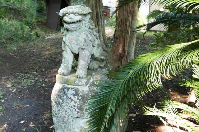 白岩弁財天の狛犬(右)の画像