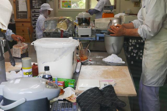 パン作りの様子1