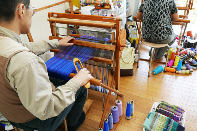 さをり織りの様子1