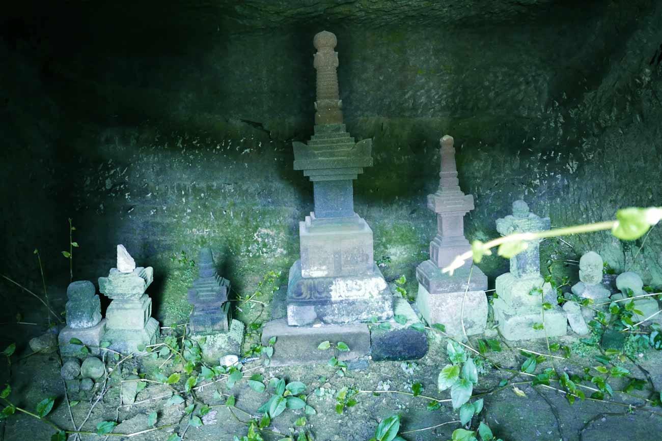 宝篋印塔(南房総市文化財)のアップ画像