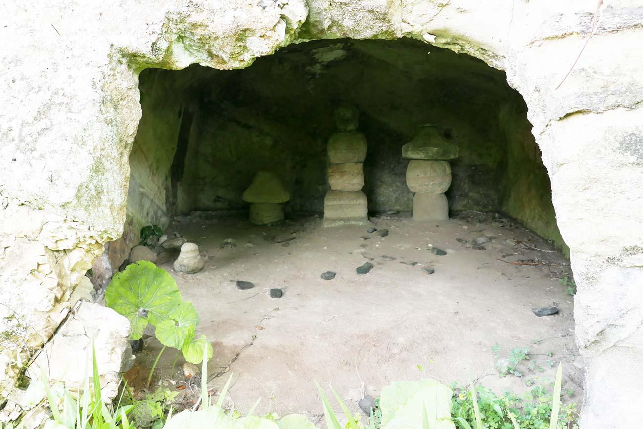 善性寺のやぐら群(その2)の画像