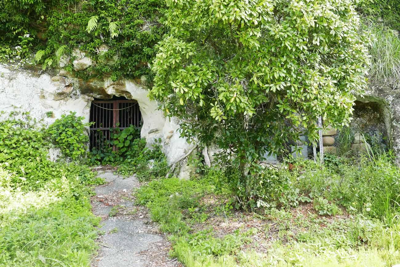 宝篋印塔(南房総市文化財)入り口の画像