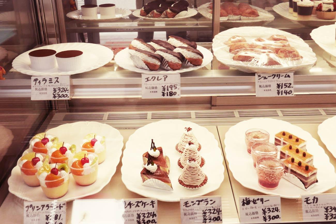 ショーケースのケーキの画像3