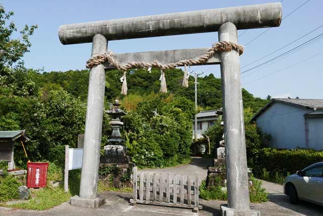 丸郷神社の一の鳥居の画像