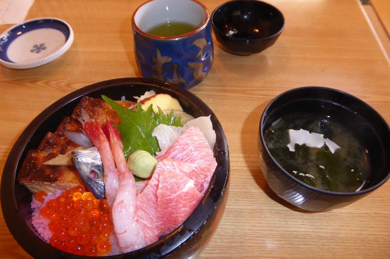 茂八のちらし寿司の画像
