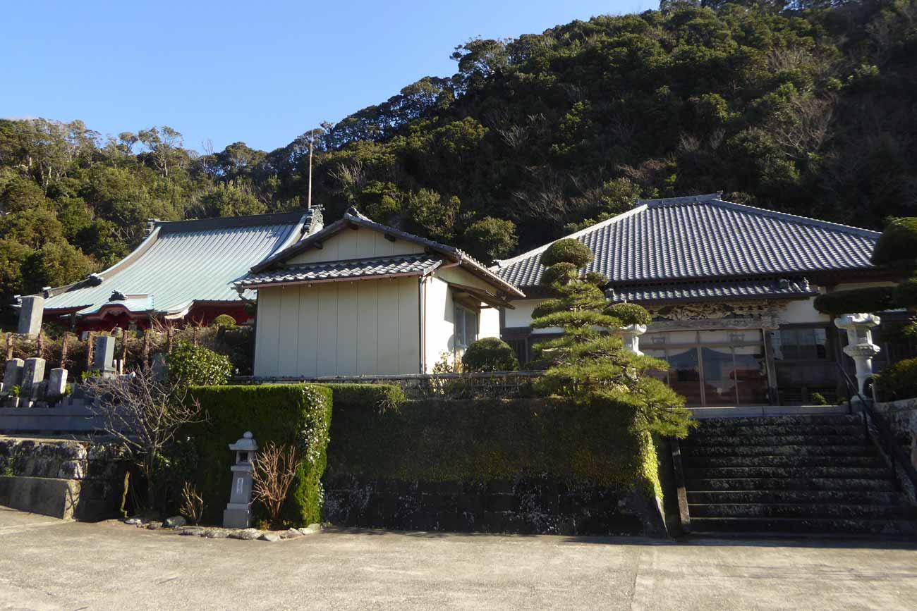 妙福寺本堂と祖師堂の画像