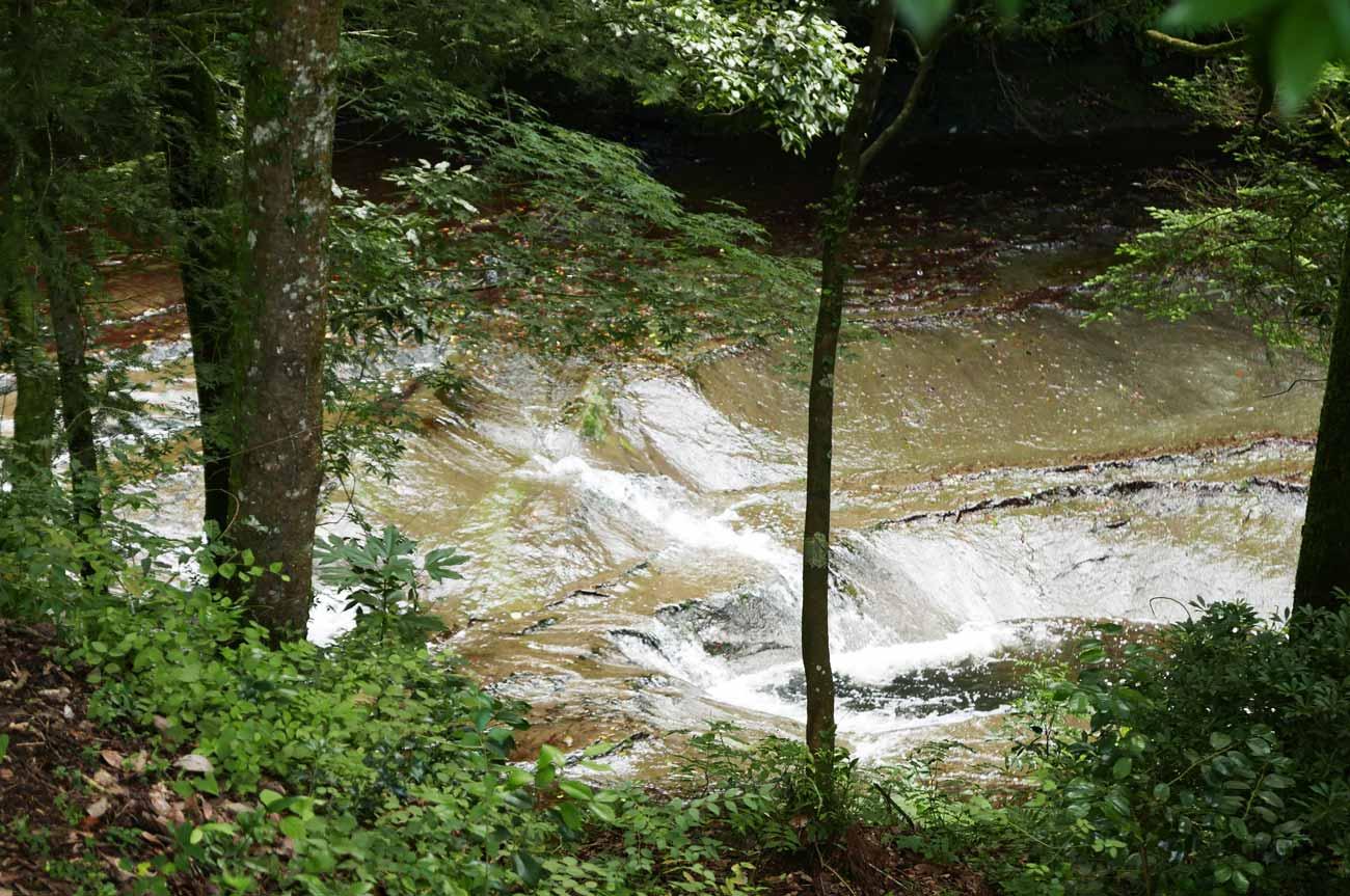 濃溝の滝の滝壺の画像