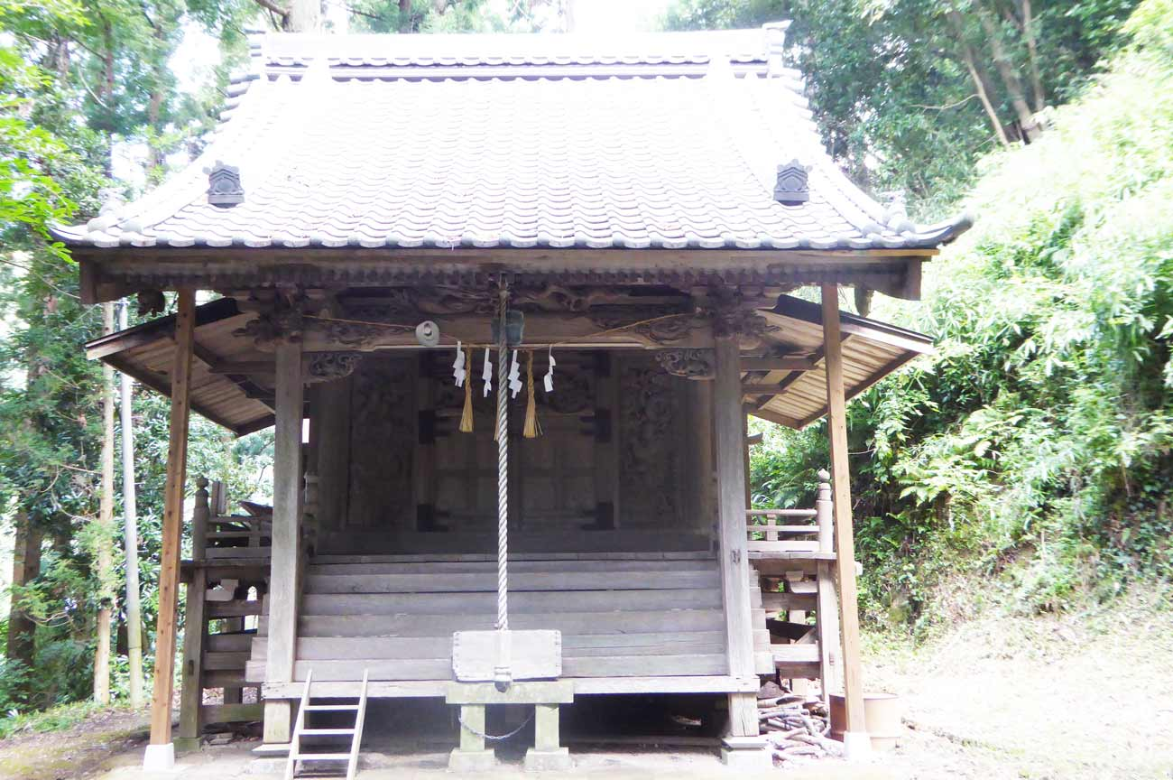 安岡神社拝殿の画像