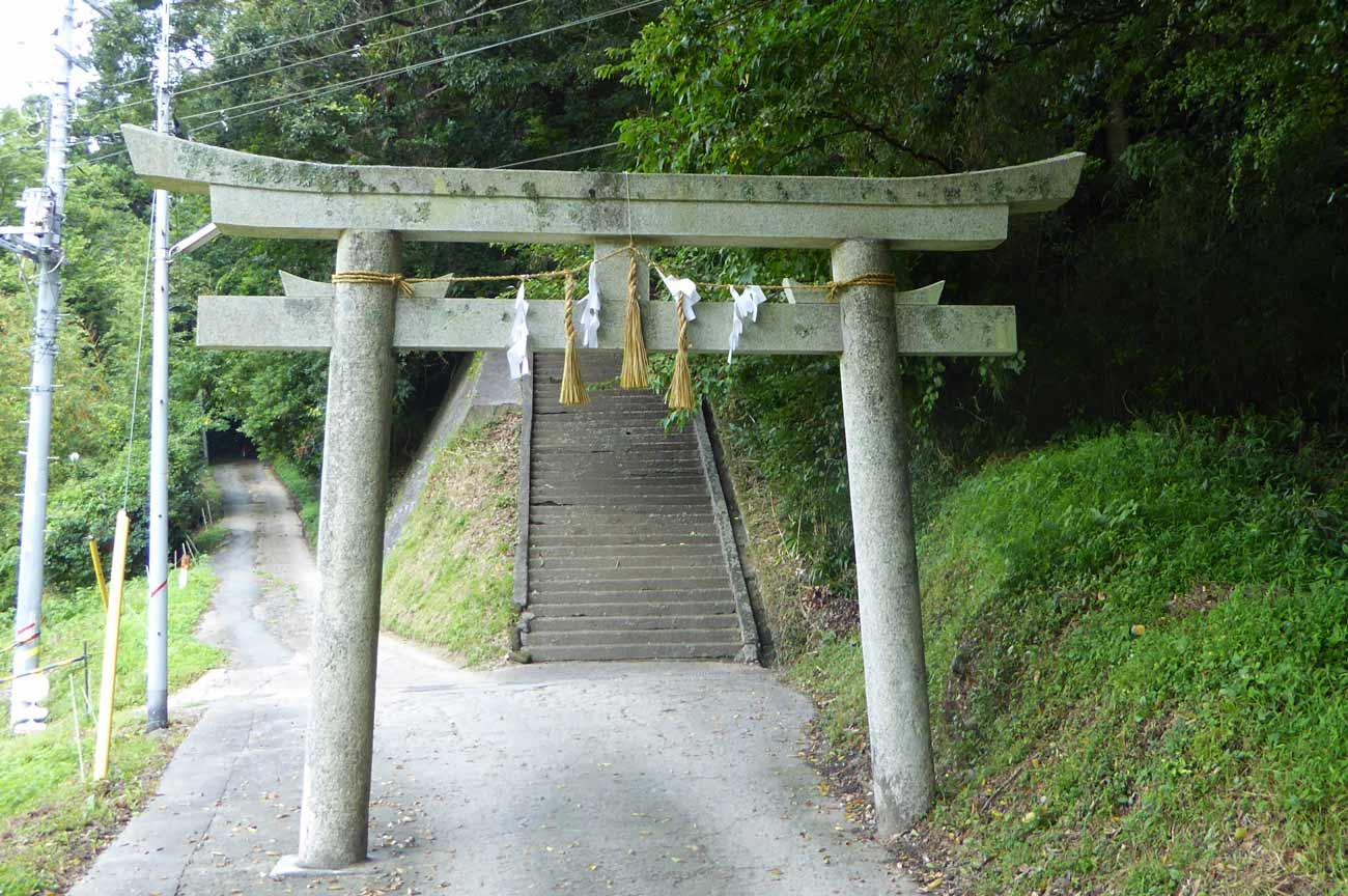 安岡神社の鳥居の画像
