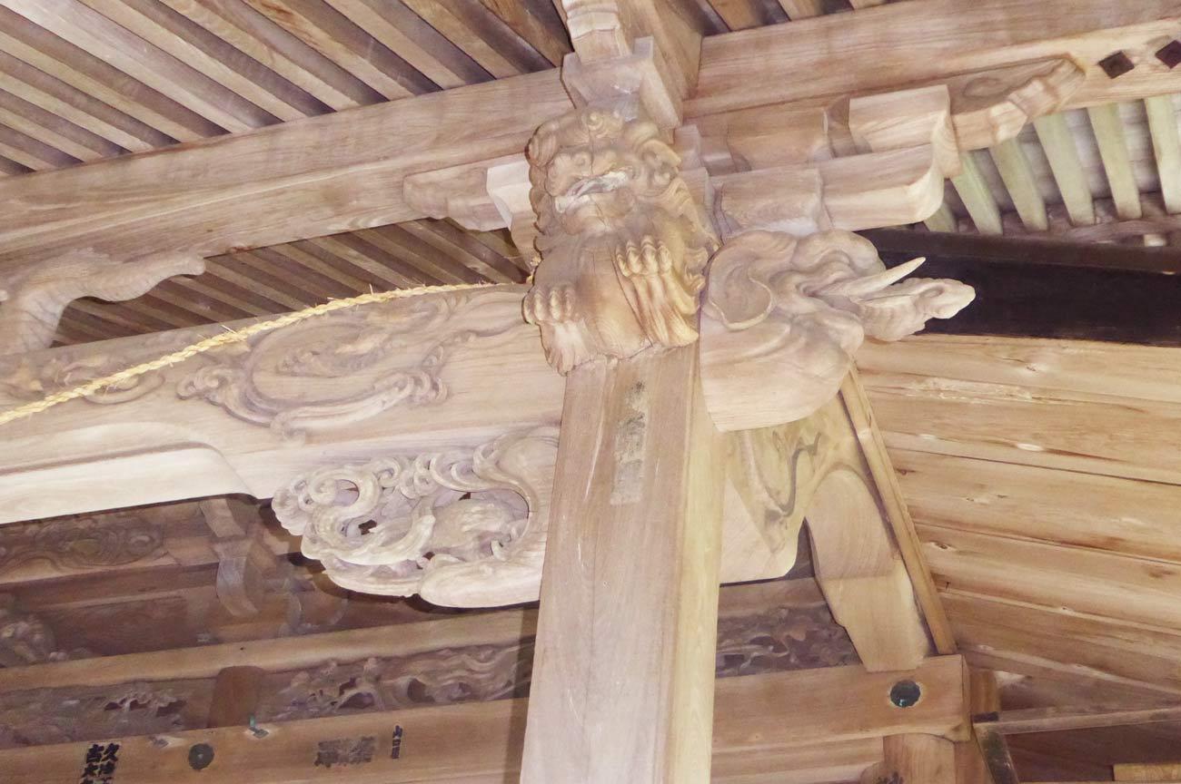 安岡神社の木鼻(右)の画像