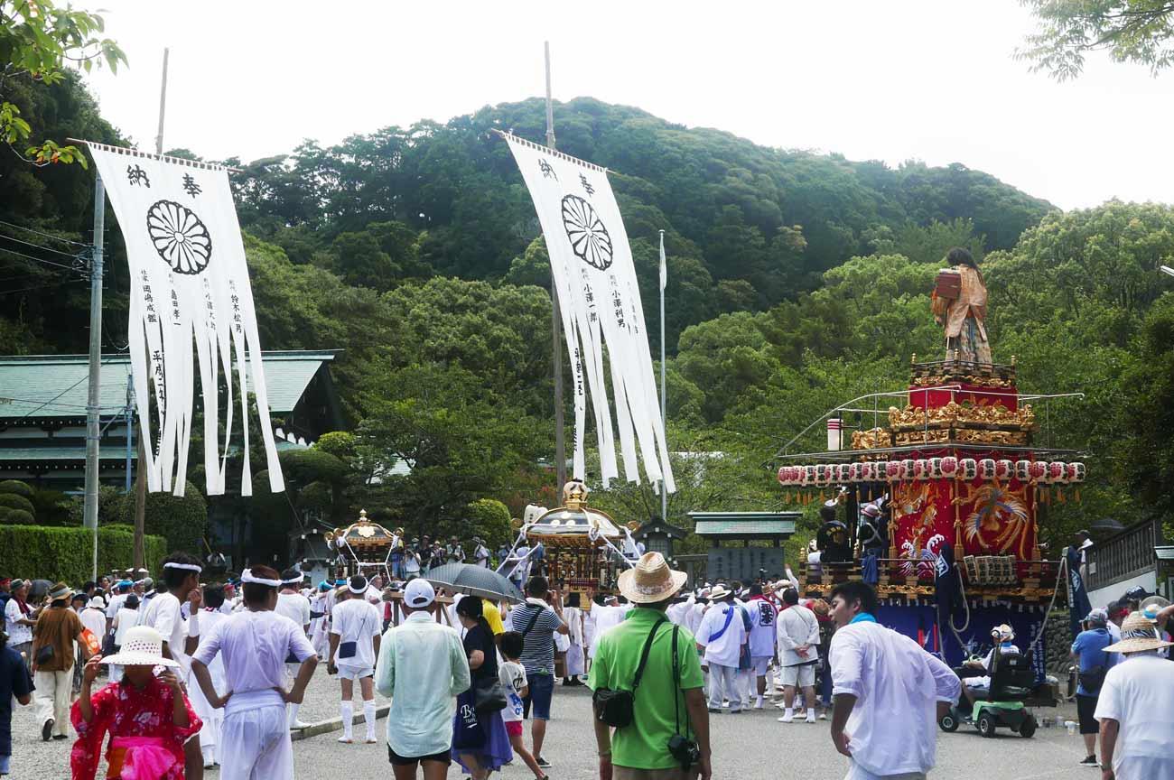 三嶋神社の山車と相浜神社の波除丸の画像