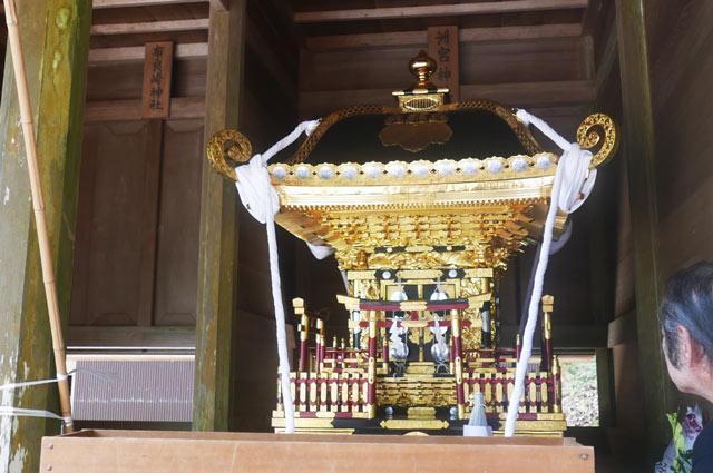 洲宮神社の神輿の画像