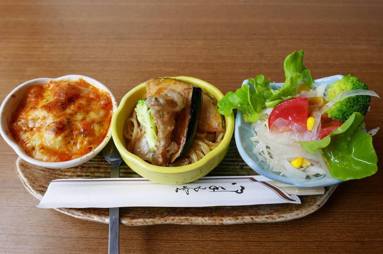おすすめセットの前菜の画像