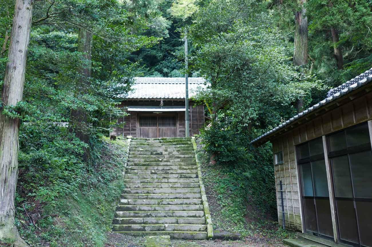 白山神社の全景画像