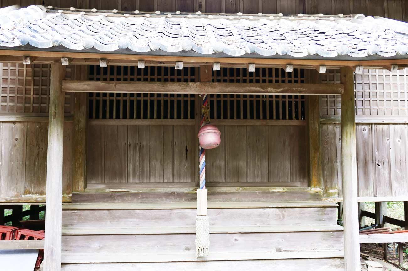 川戸神社拝殿のアップ画像