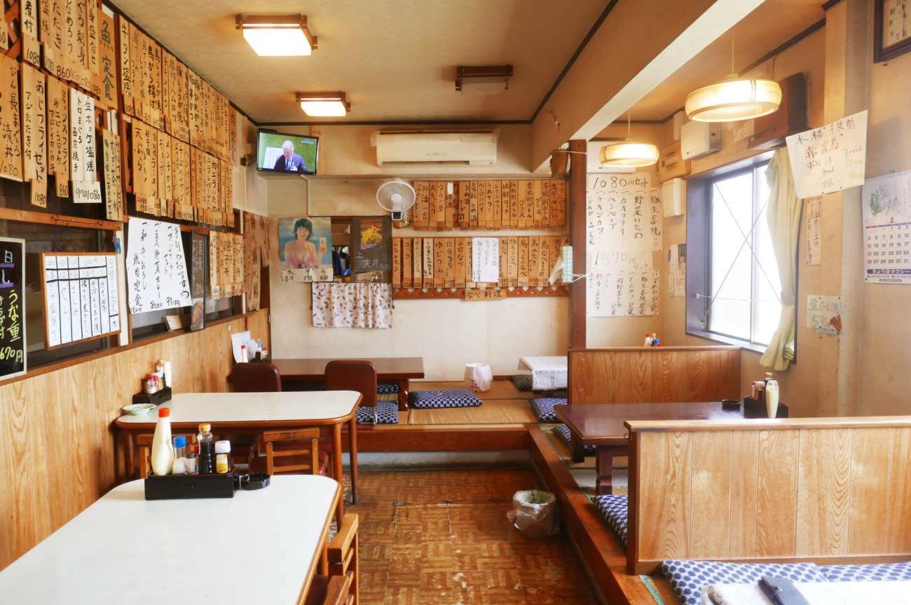 食堂きんざの店内画像