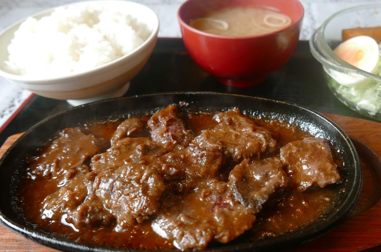 食堂きんざのくじらステーキ定食の画像