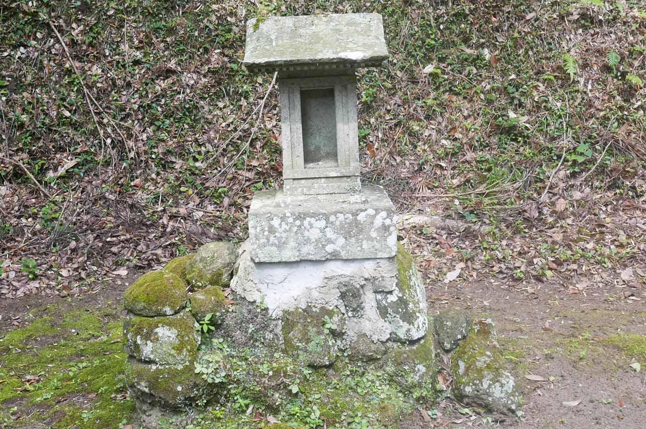 熊野神社石祠の画像
