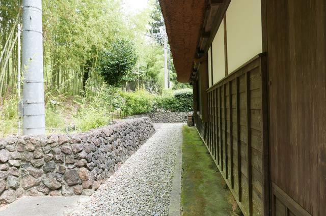 旧水田家住宅の裏庭の画像