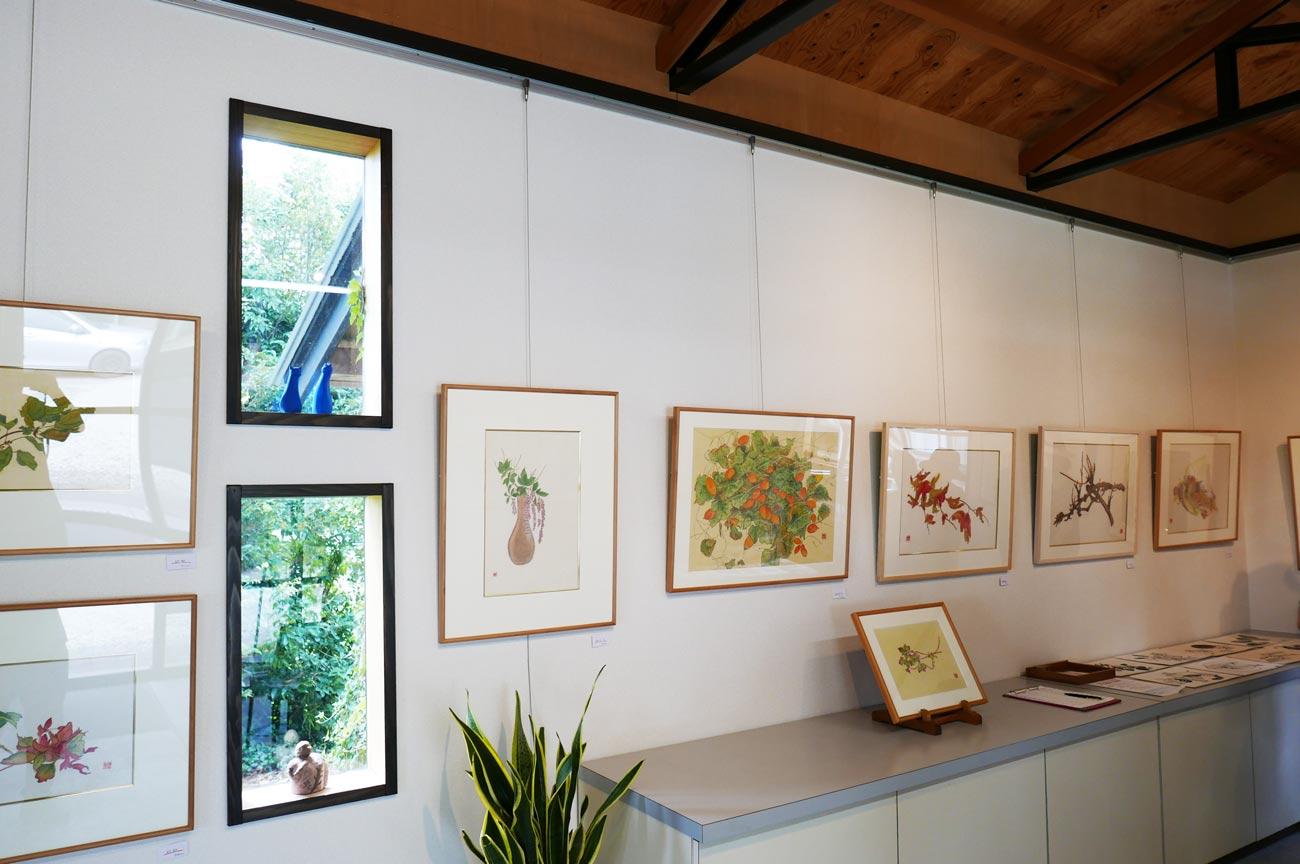 ギャラリーMOMOの展示絵画の画像