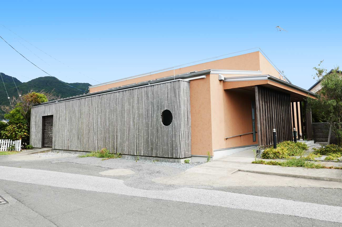 旧七浦診療所の店舗入口の画像