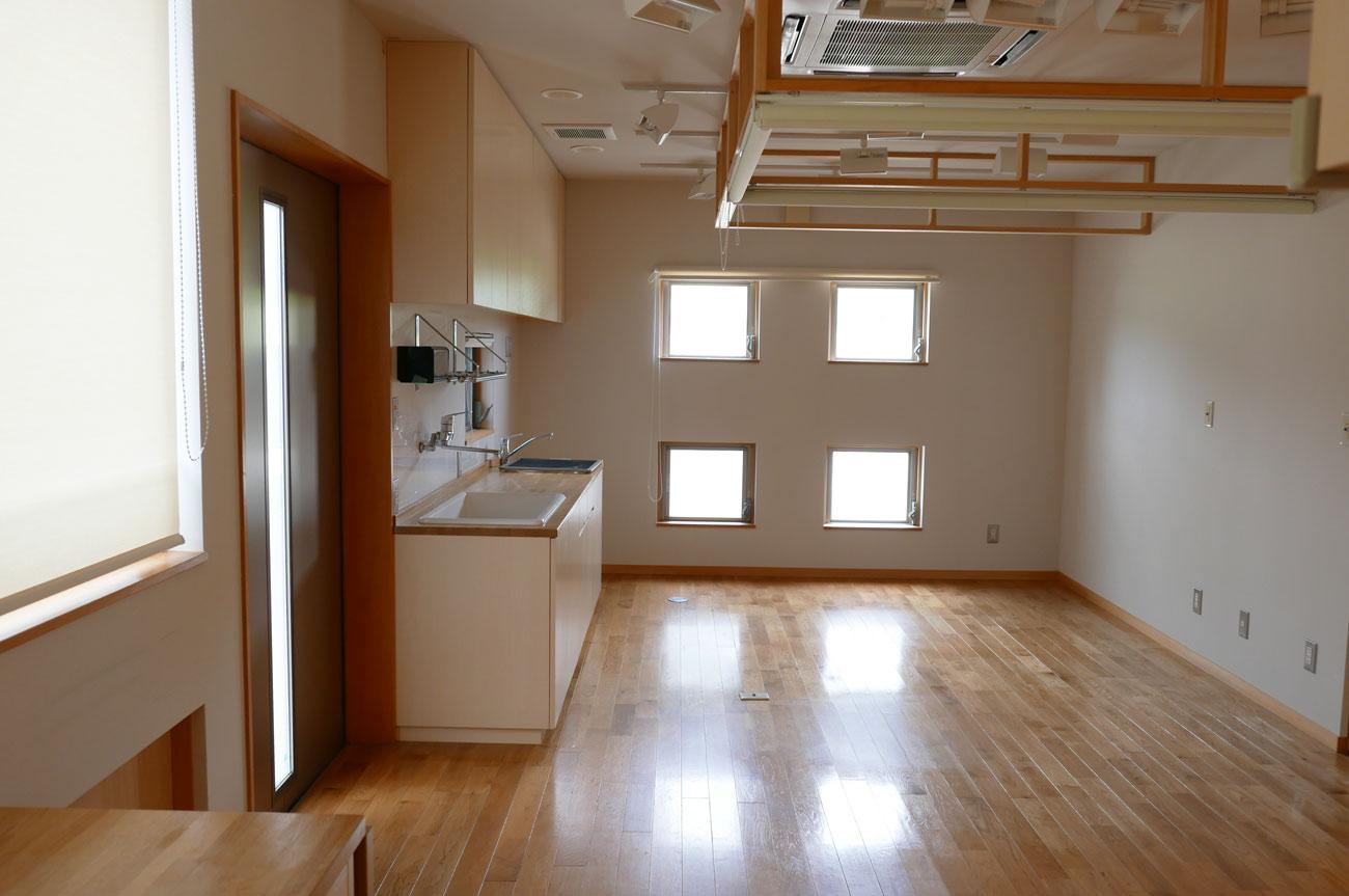 旧七浦診療所のトイレ入口の画像