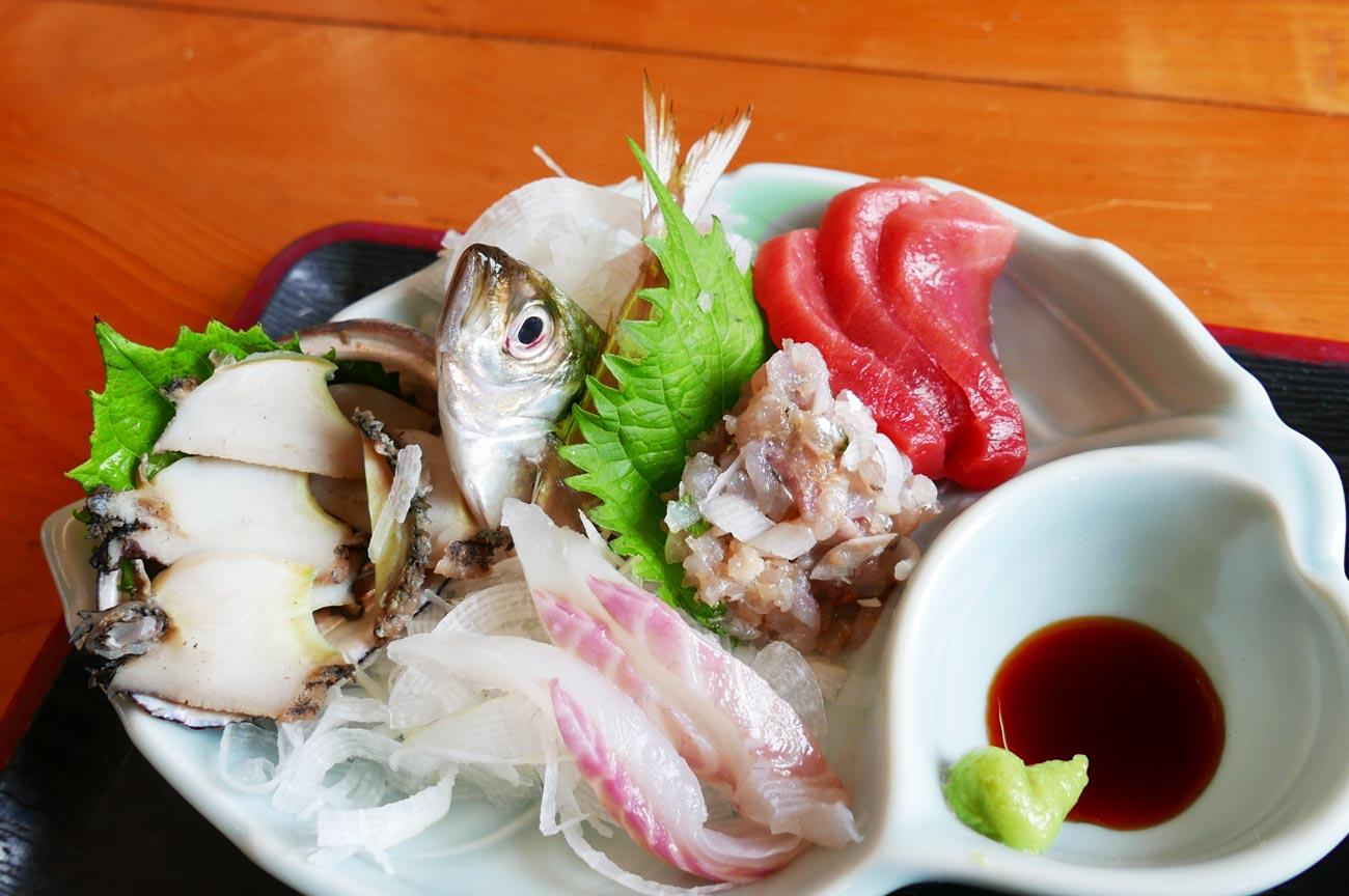 松大丸の刺身定食のアップ画像
