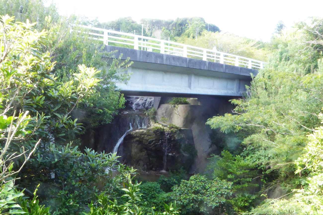 ザーザンボの滝の全景