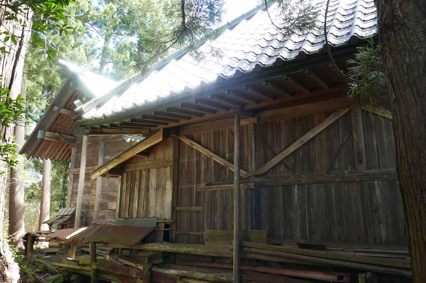 熊野神社の本殿の画像