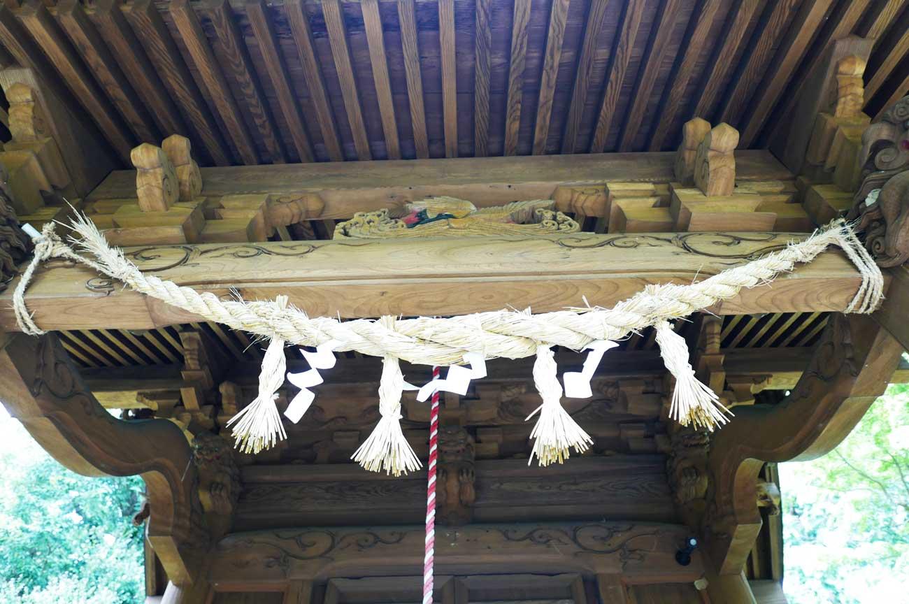 本殿の向拝の画像