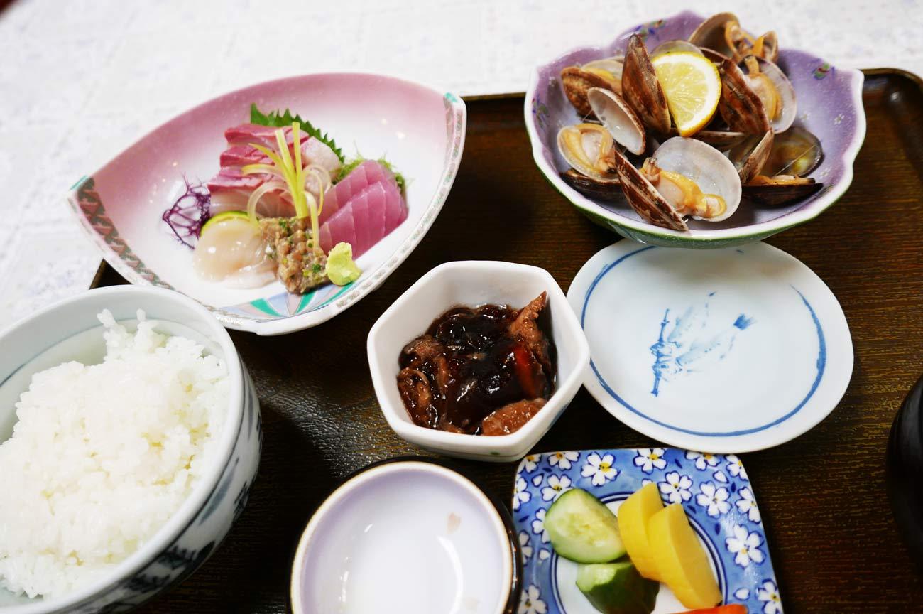 山田屋の磯刺身定食の画像