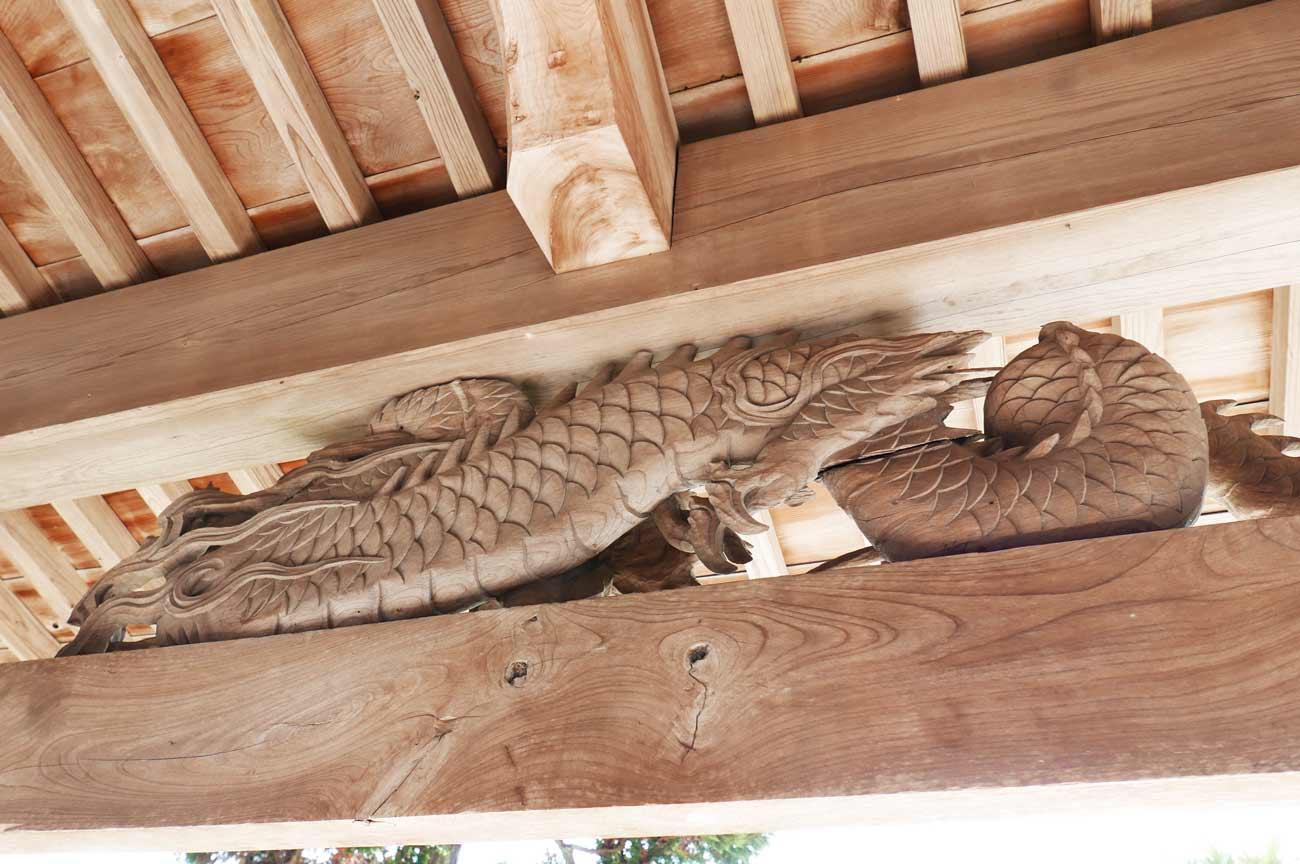 向拝の龍の彫刻(裏側)の画像