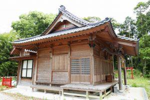 八幡神社拝殿(左横)の画像