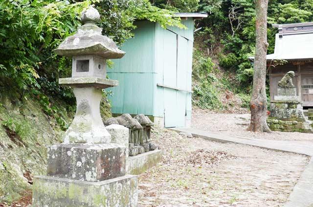 日枝神社常夜灯(左)の画像