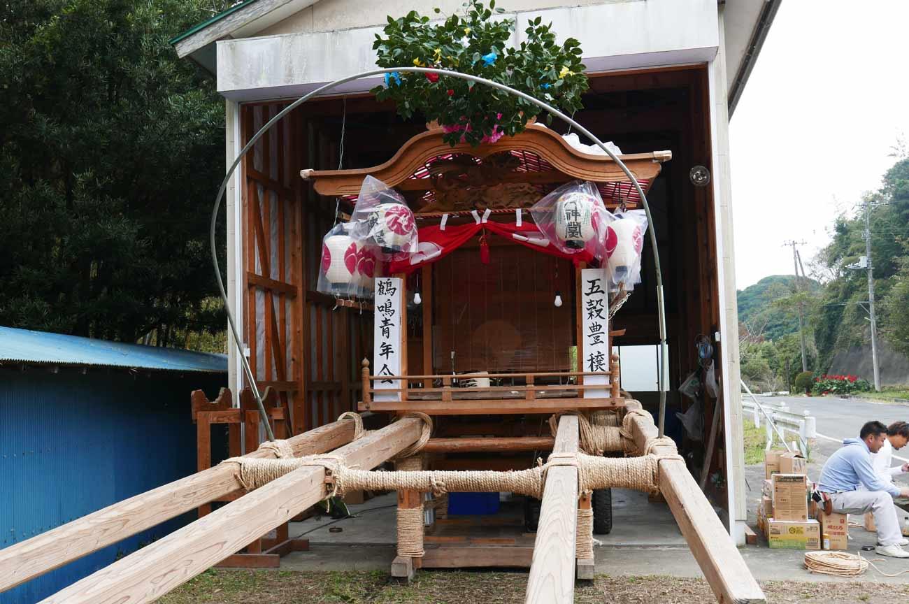 鶴鳴区の屋台(前方)の画像