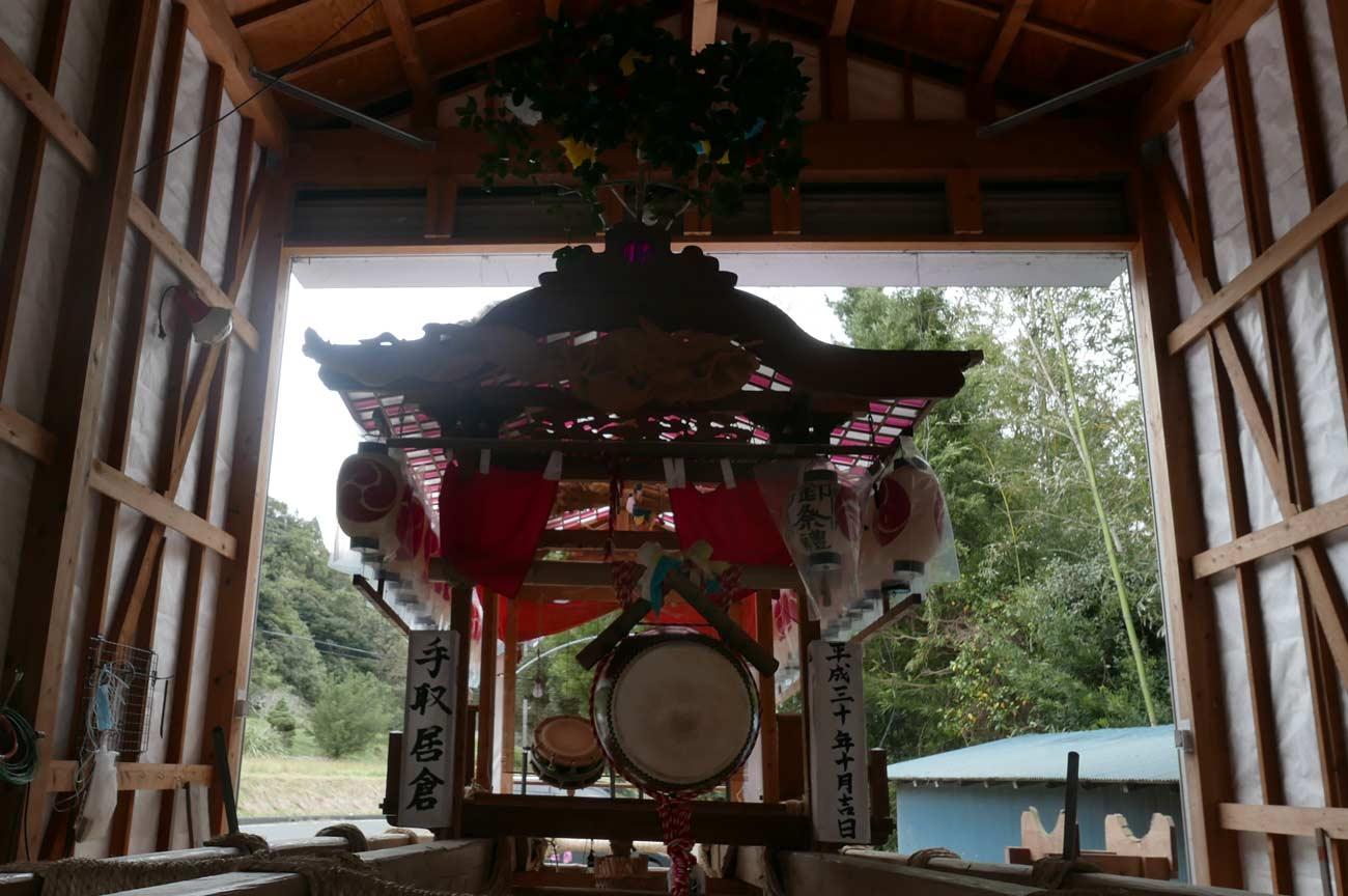 鶴鳴区の屋台(後方)の画像