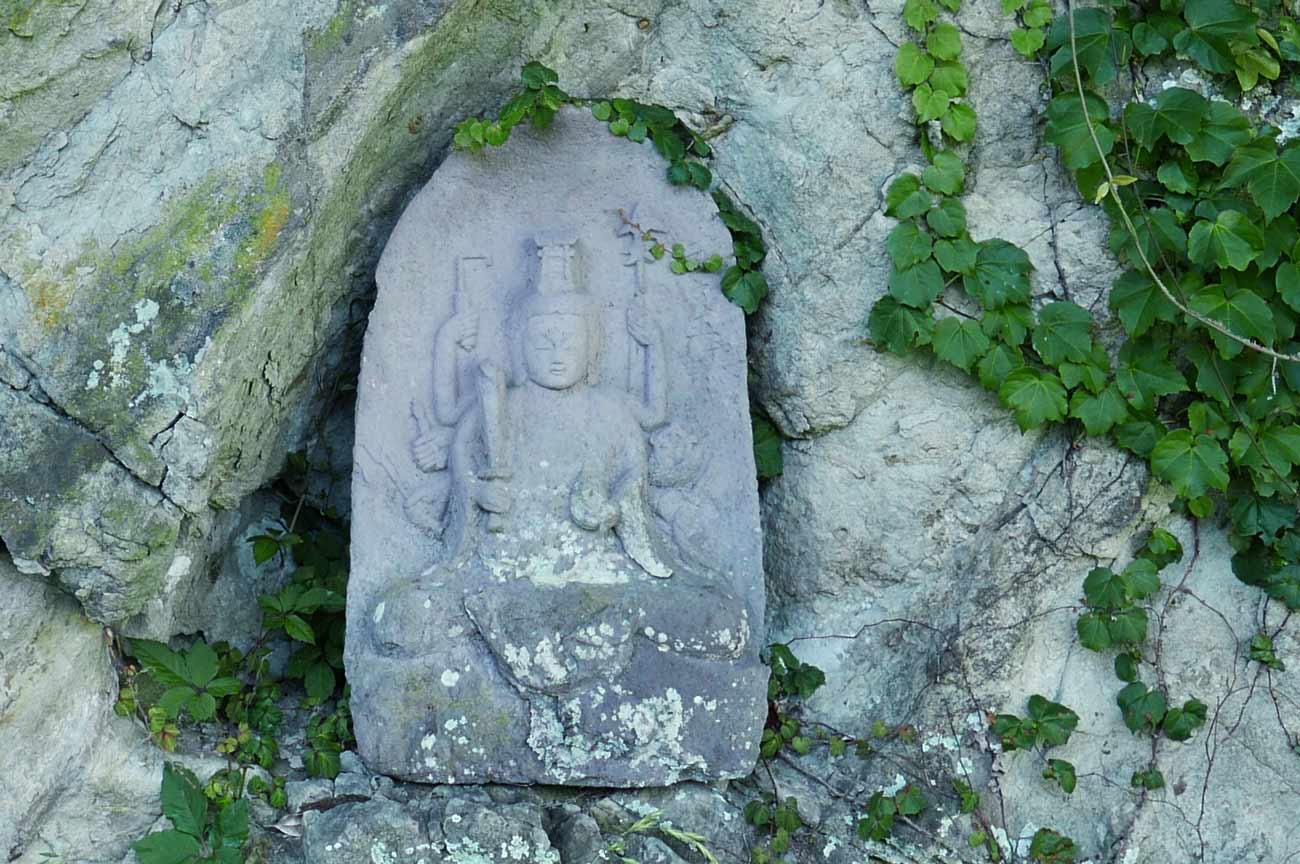 前田神社の庚申塔の画像