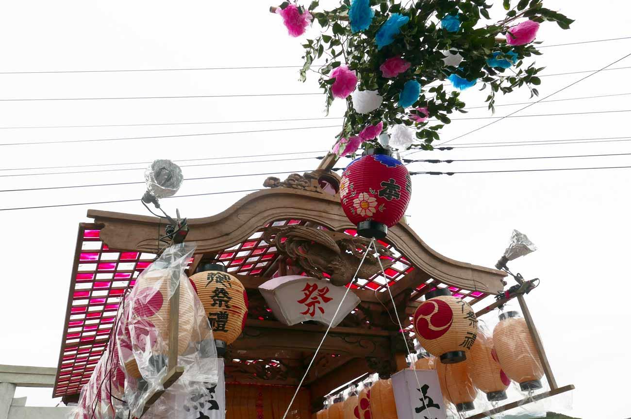 宮本区の屋台の鳳凰の彫刻