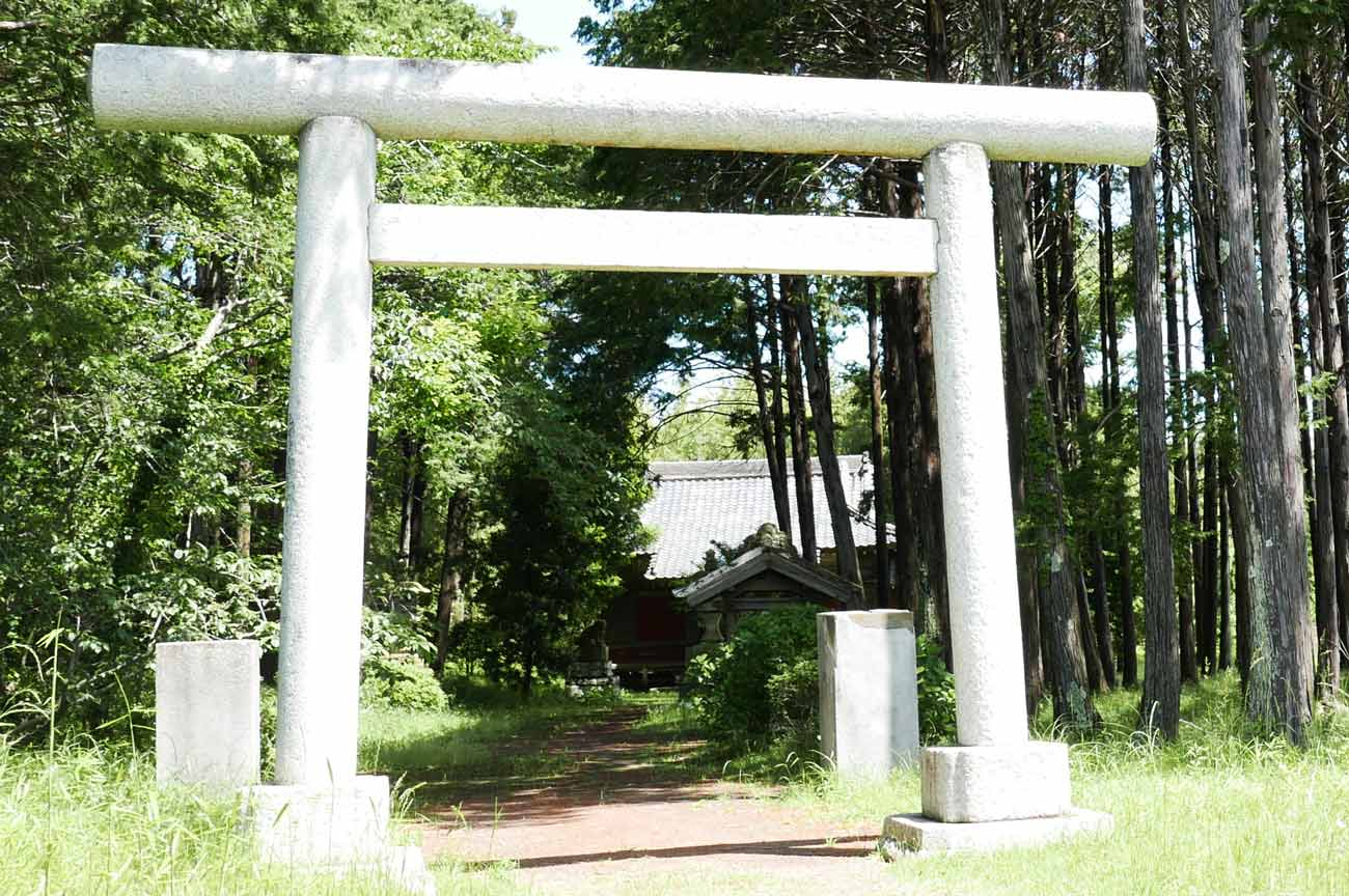 神明神社の鳥居の画像
