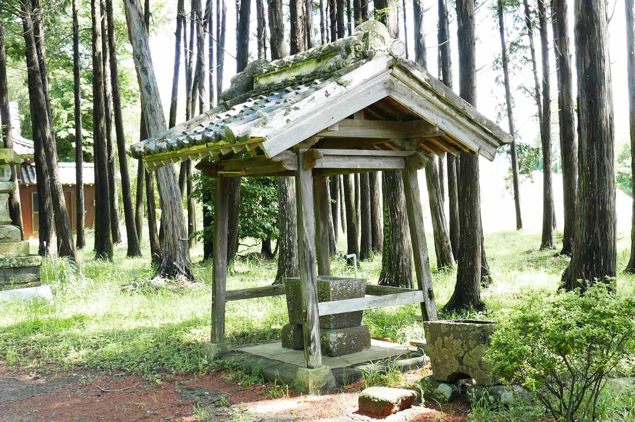 神明神社手水舎の画像