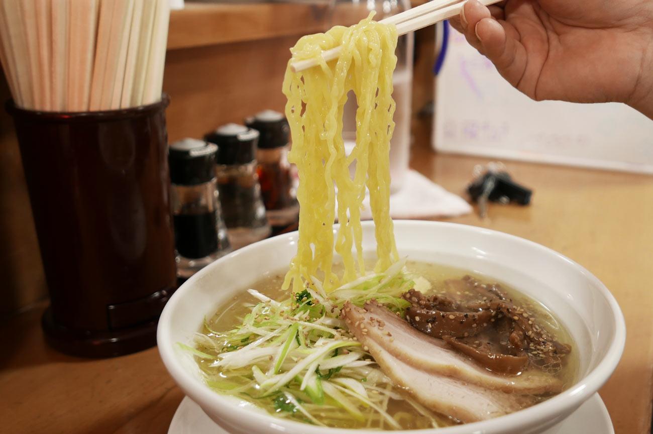 きん華塩そばの麺の画像