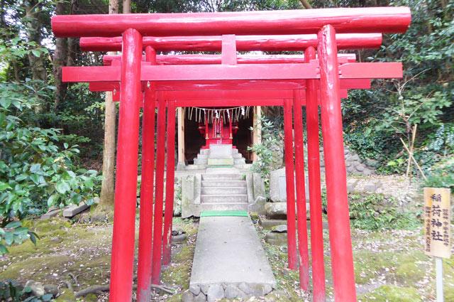 稲荷神社の鳥居の画像