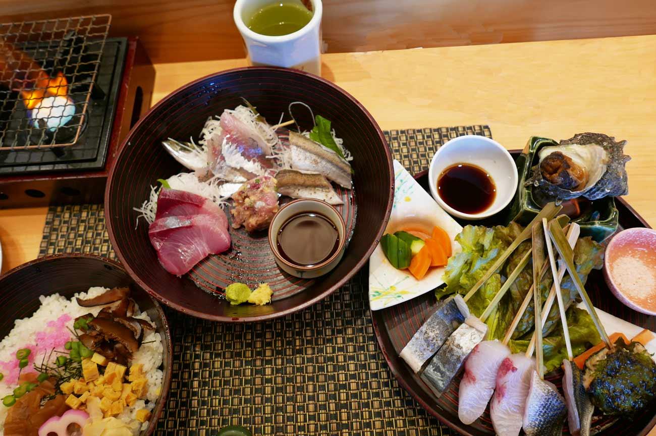 館山炙り海鮮丼の画像