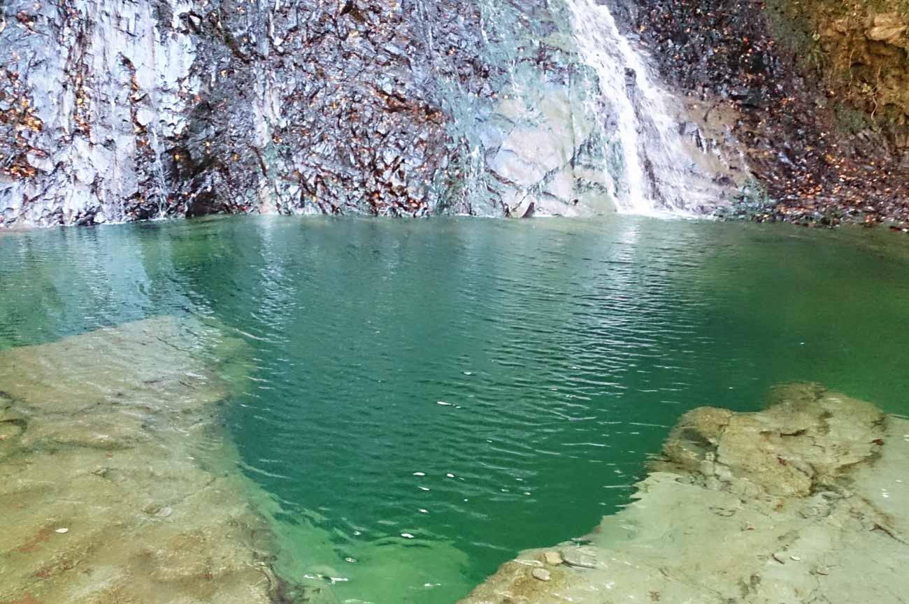 四方木不動滝の滝壺