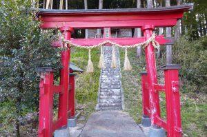 八幡神社の鳥居の画像