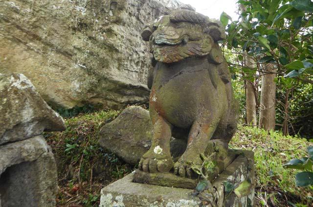 稲荷神社の狛犬(右)の画像