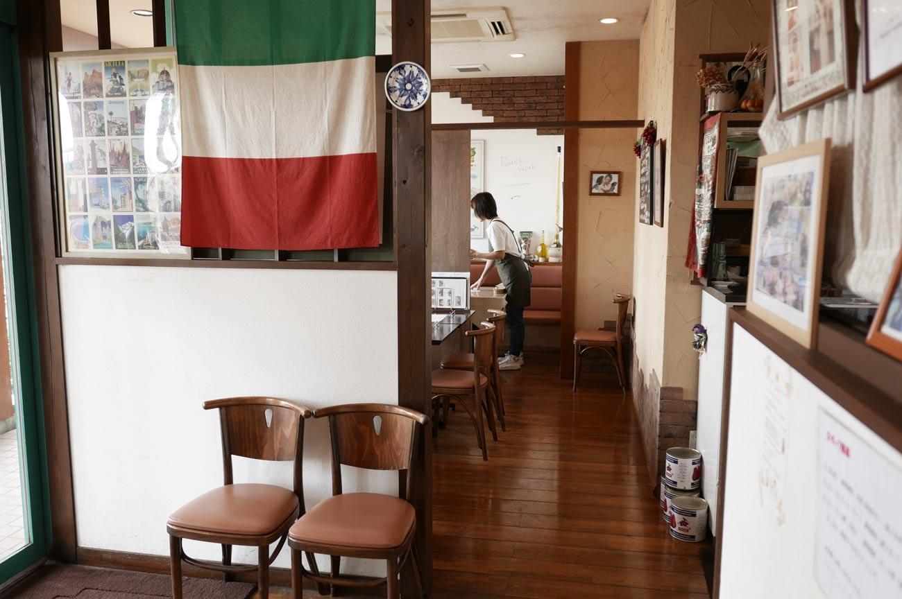 イタリア食堂の個室の画像