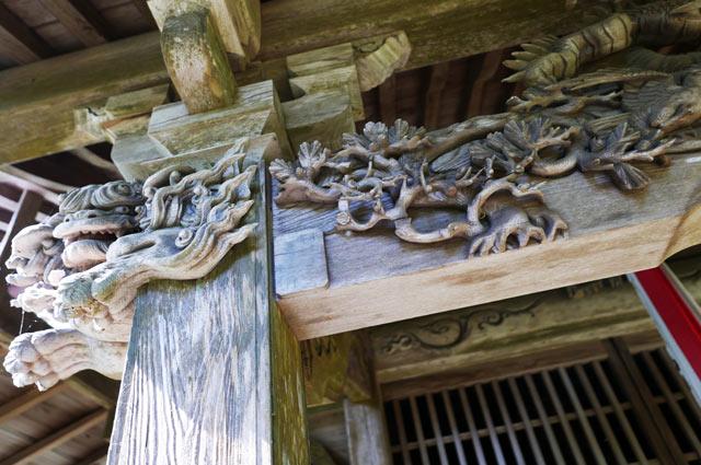 松の彫刻の画像