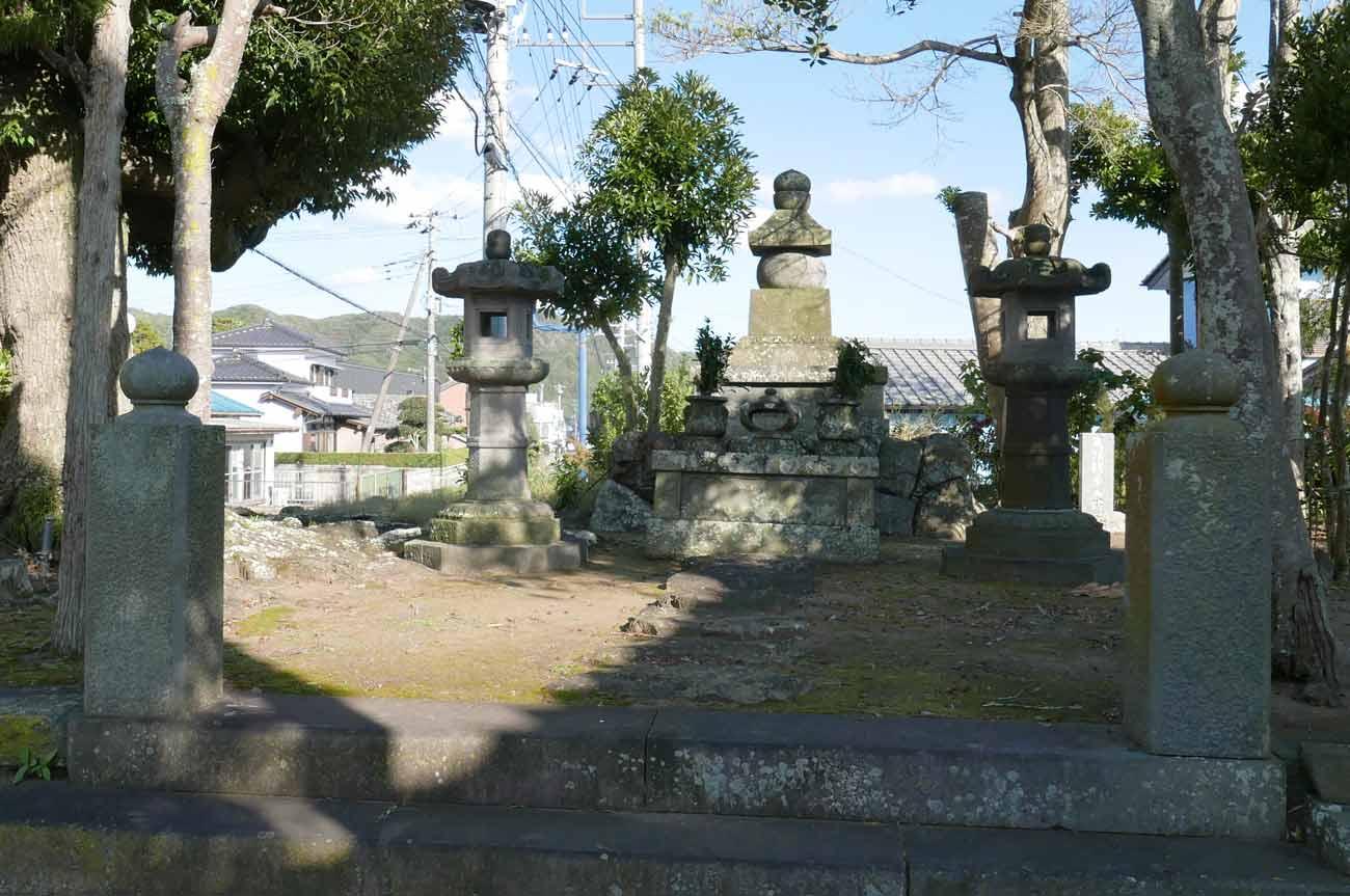 上人塚の全体画像