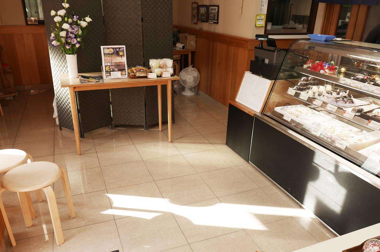 菓子匠やまもとの店内画像